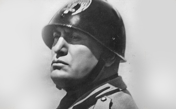 Mussolini's Return to Italy