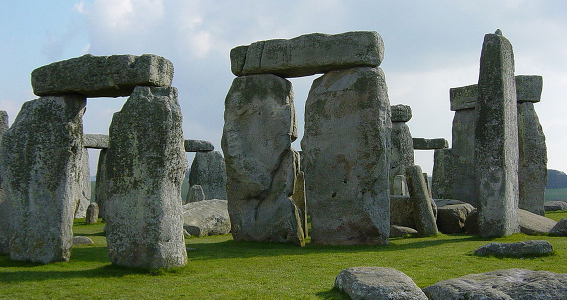 6,000 Year Old Campsite Found at Stonehenge