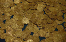 Stash of Gold Coins Found in Israel by Amateur Scuba Divers