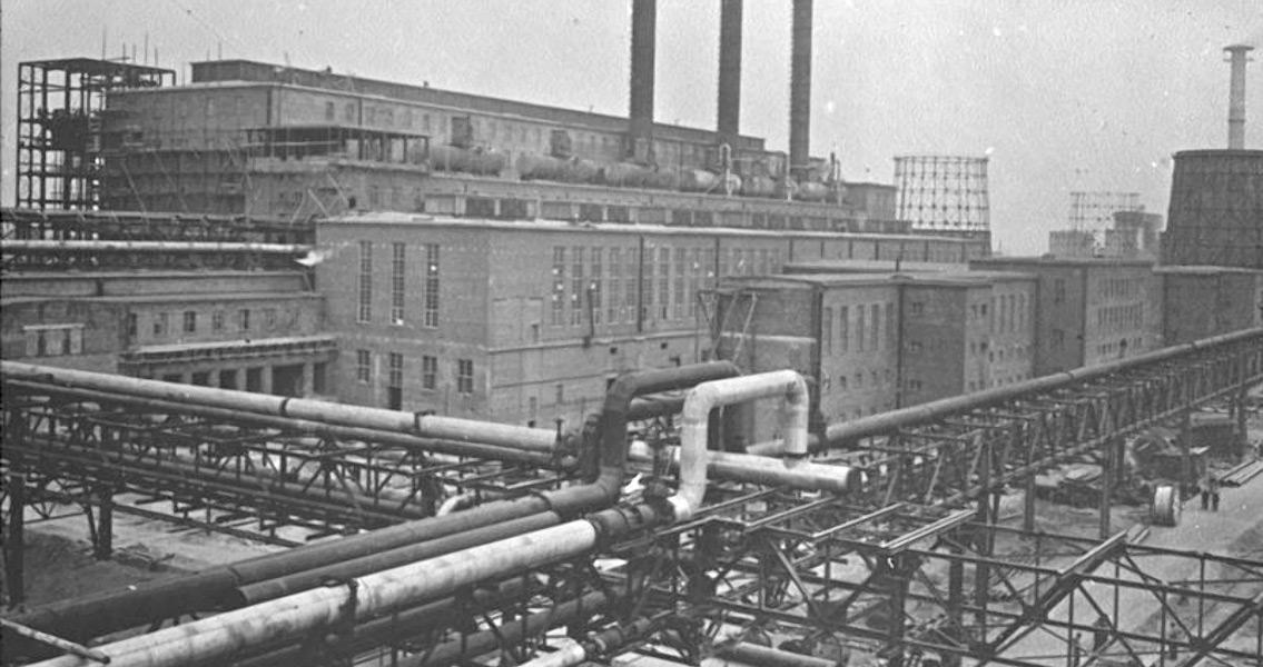 IG Farben Opens Factory at Auschwitz