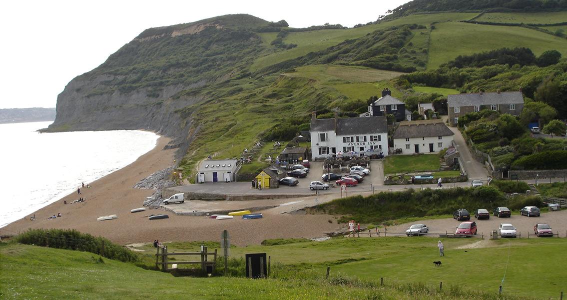 Researcher Finds Bronze Age Mound in Dorset