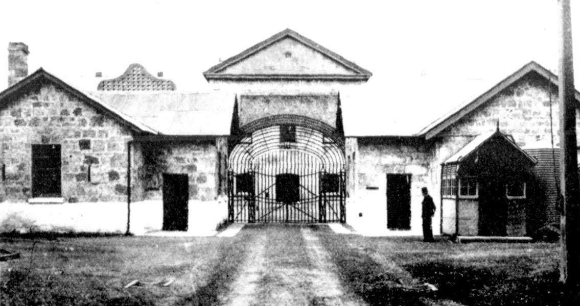 Fremantle-Inner-Gates,-1909