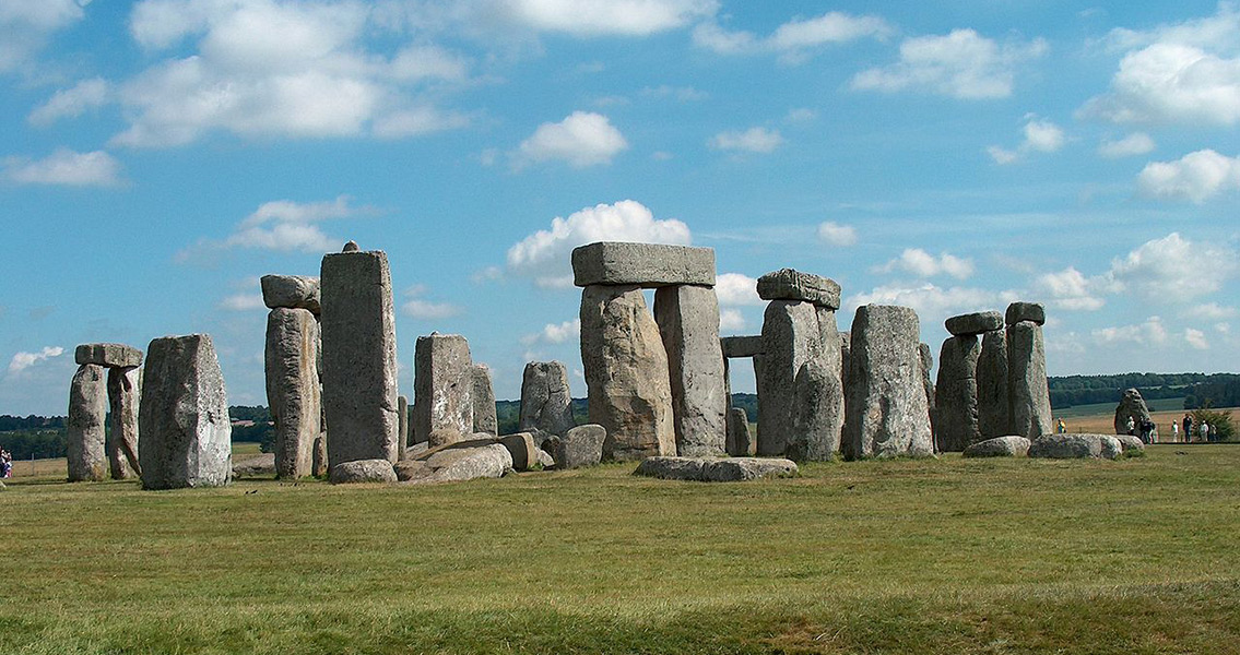 "6,300-Year-Old ""Eco Home"" Found Near Stonehenge"
