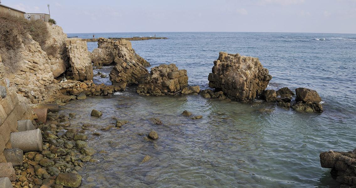 Roman-Era Treasure Trove Found Off Israeli Coast