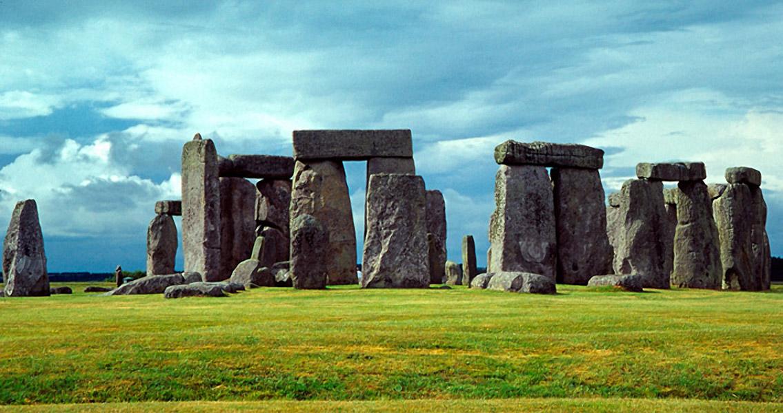 What do we know about the people who built Stonehenge?