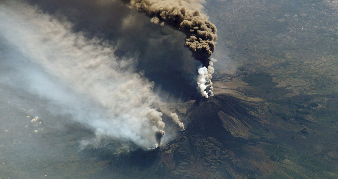Massive Volcano Eruption at Mount Etna in 1669 Kills Thousands