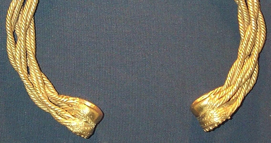 Treasure Hunters Unearth Ancient Iron Age Jewelry in Britain
