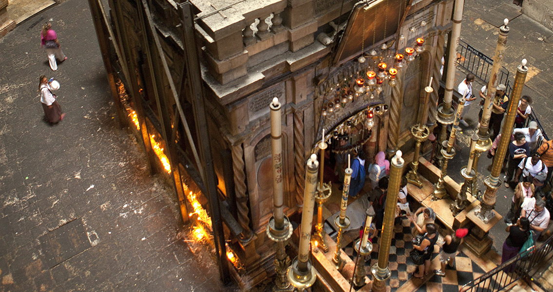 Church of the Holy Sepulchre at Risk of Collapse